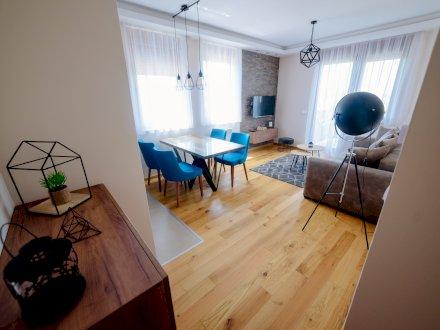 Apartmani Vikendice Privatan Smeštaj Sobe Etno Sela